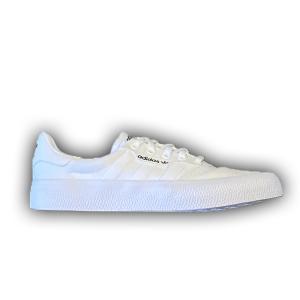 soulier-adidas-blanc
